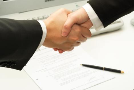 Hỏi: Tại sao phải ký hợp đồng khi thực hiện dịch vụ?