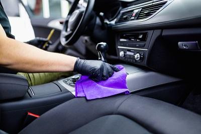 10 Lý do nên chọn dịch vụ vệ sinh nội thất xe ô tô