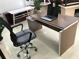 Cách tốt nhất để làm sạch ghế văn phòng bằng vải
