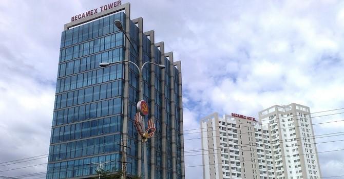 Dịch vụ lau kính Becamex Tower được thực hiện Vệ Sinh Năm Sao