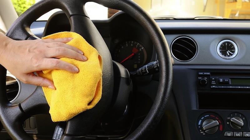Hướng dẫn vệ sinh nội thất ô tô kỹ càng