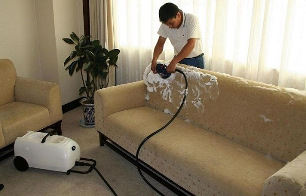 Mẹo vệ sinh ghế sofa đúng cách để sử dụng bền lâu hơn