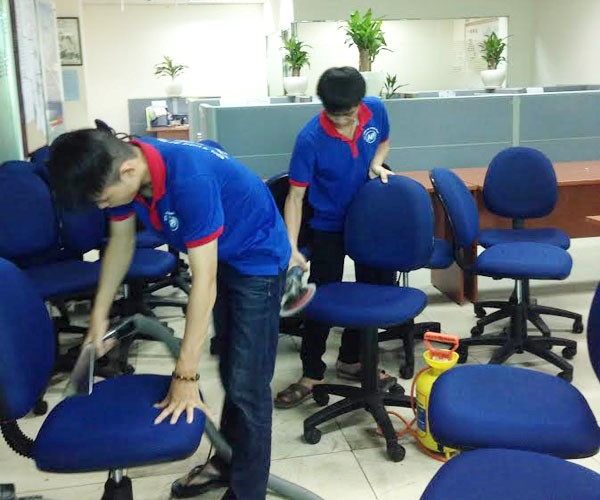 Những phương pháp giặt ghế văn phòng sạch bóng như mới