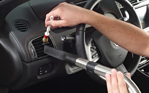 Tự vệ sinh nội thất xe ô tô những điều có thể bạn chưa biết
