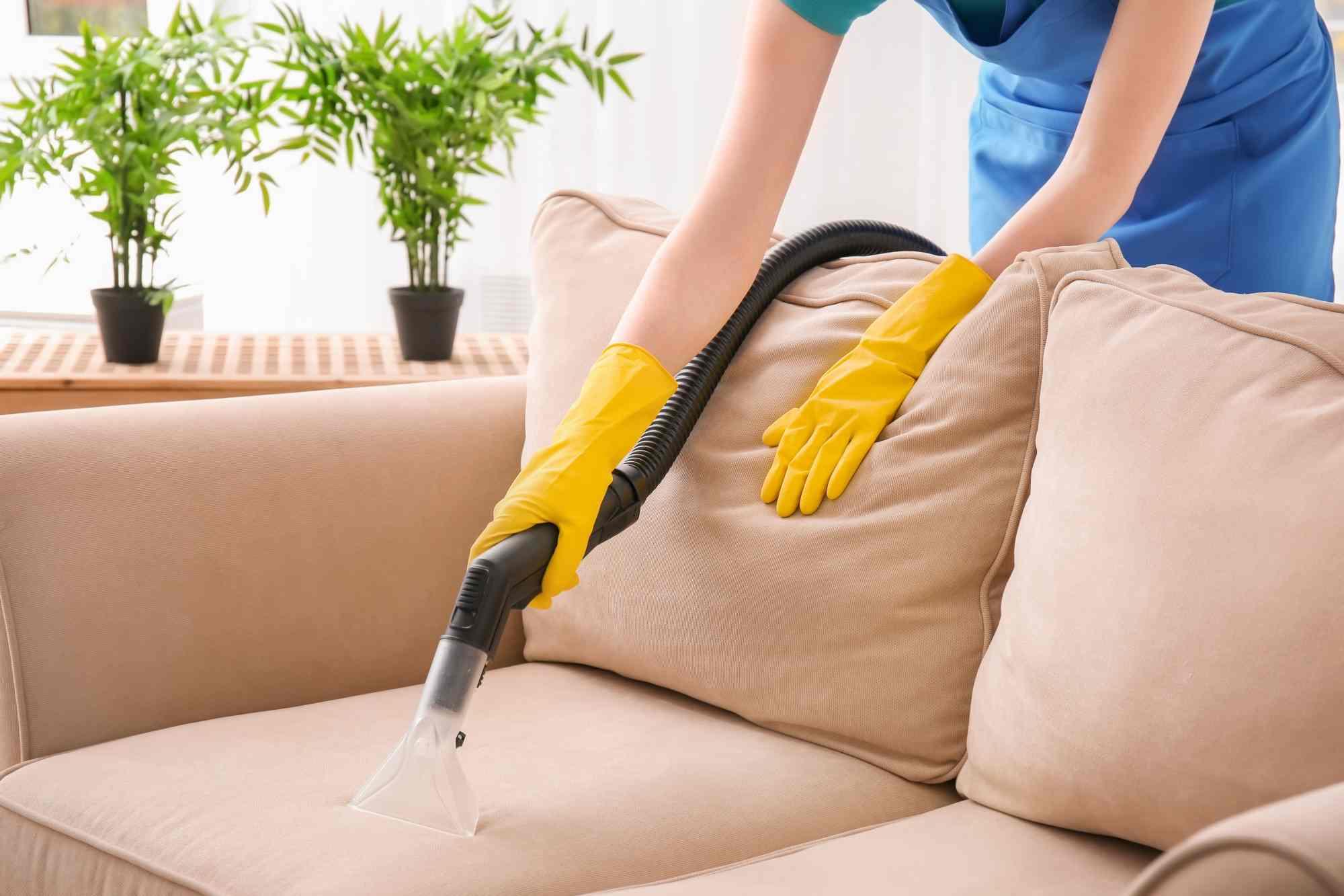 Vệ sinh ghế sofa da lộn thường xuyên một cách dễ dàng